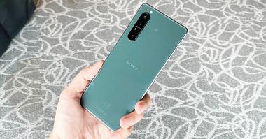 Sony-Xperia-1-II-green-1-1