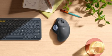 Logitech-M575-Wireless-Trackball-Mouse-desktop
