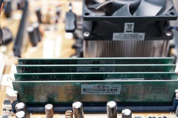 circuit-board-5759541_1920